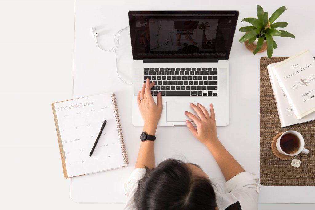 ako sa koncentrovať  a vyhnúť  prokrastinácii