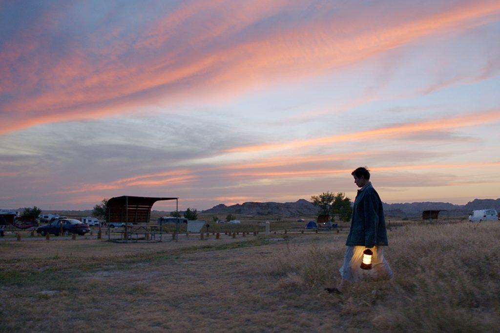 Nomadland zaujme aj svojou kamerou vďaka práci s prírodným svetlom